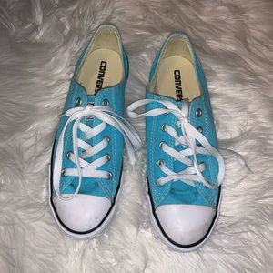 Blue converse all star